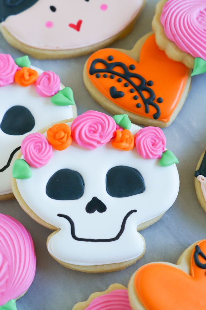 Dia de los Muertos Decorated Cookies > decorating tutorial