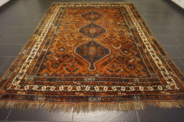 Collector's item handgeweven Perzisch tapijt Qashqai nomad tapijt wol op wol gemaakt in Iran 225  303 cm  Exclusieve Perzisch tapijt.Gegarandeerd handgewevenProvincie: Qashqai.Gemaakt in Iran.Wol op wol plantaardige kleurstoffen.Tapijt afmetingen: 225 x 303 cmVeilingsaantal 3647Het tapijt is over het algemeen in goede gebruikte staat zie XXL foto's.Wij verzenden wereldwijd verzekerd via UPS.  EUR 5.00  Meer informatie