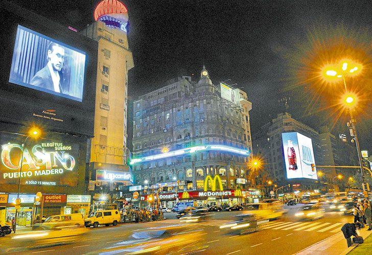 Tipos de iluminación de rótulos Rotulos en Barcelona | Tecneplas - https://rotulos-tecneplas.com/tipos-iluminacion-rotulos/ #IluminacionDeLetrasCorporeas, #LetrasCorporeas, #Rotulos   #ROTULOSYCOMUNICACIÓNVISUAL @Tecneplas