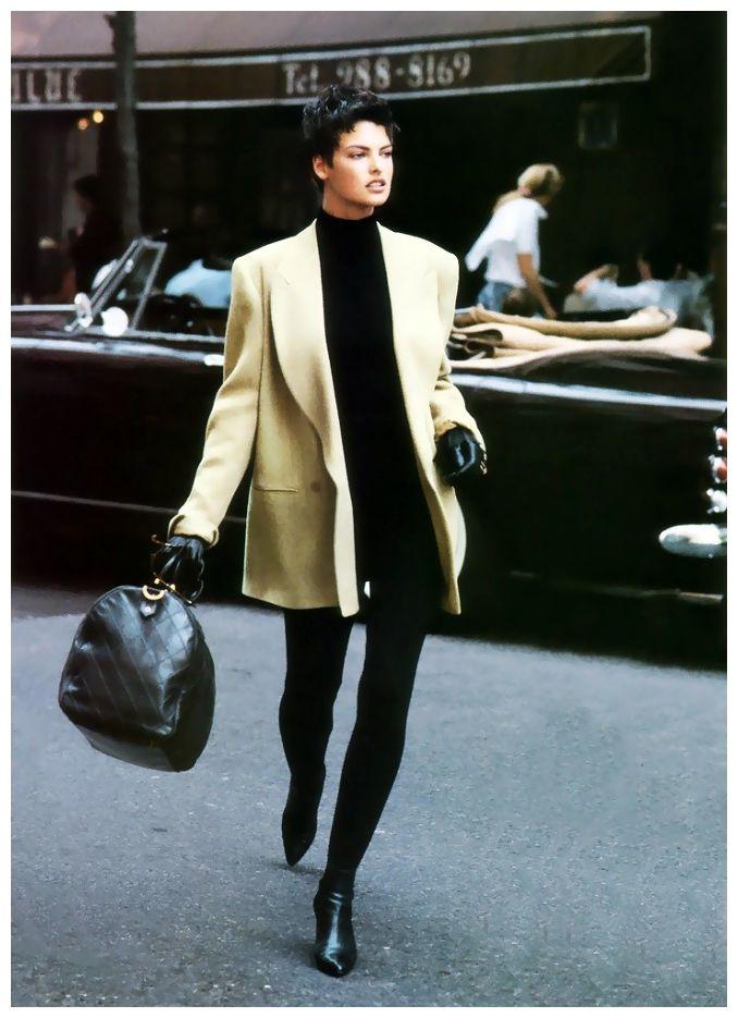 Vogue US – Camel's back – Linda Evangelista – Sep 1989 Photo Peter Lindbergh