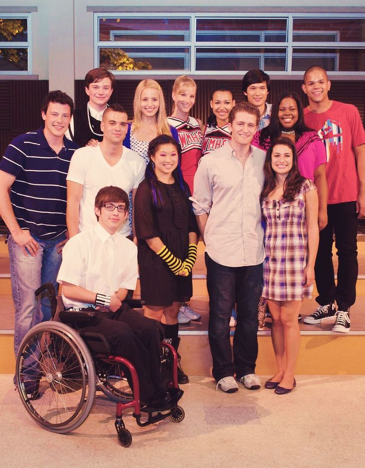 Glee. Season 1. They all look so young!