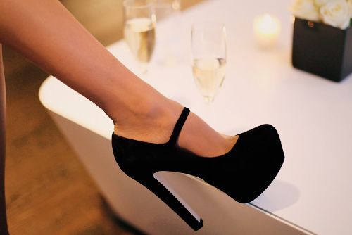 Mary Jane heels.: Fashion, Style, Clothing, Mary Janes, Black Shoes, Black Heels, Black Pumps, High Heels, Very Black