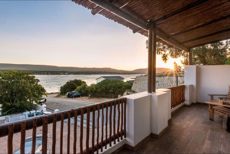 EngelZand Luxury River Chalet in Witsand. Spacious accommodation, communal pool and braai areas. Sleeps 8. #Where2Stay