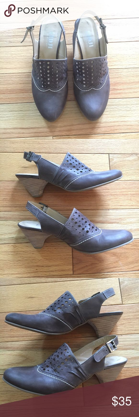 100% leather Fidji shoes Gorgeous brown leather slingback mules by Fidji. Leather has been conditioned and the shoes have only been worn a few times. Fidji Shoes Mules & Clogs
