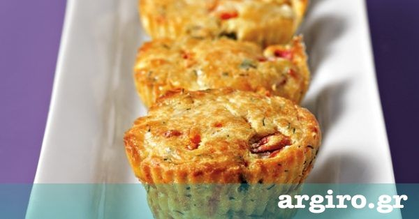 Αλμυρά muffins με φέτα και πιπεριά από την Αργυρώ Μπαρμπαρίγου |