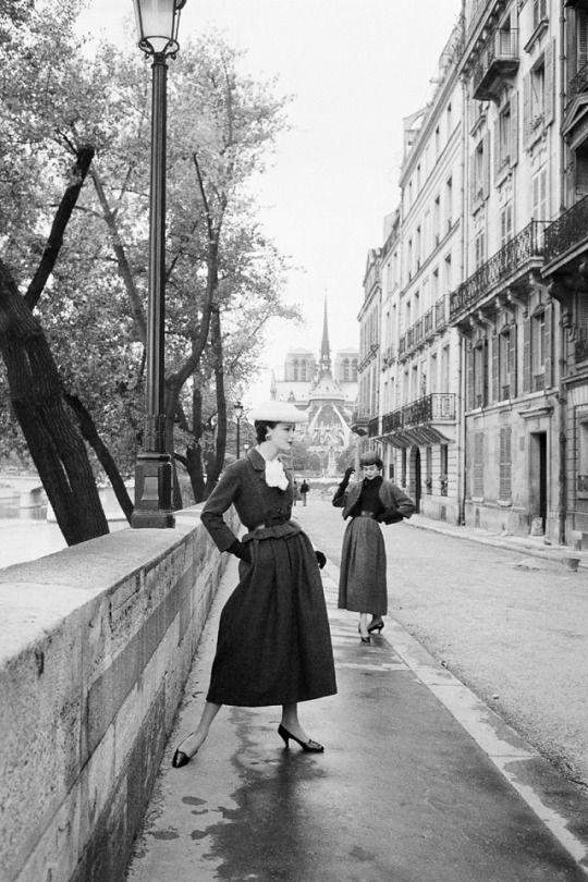 Christian Dior; 1953