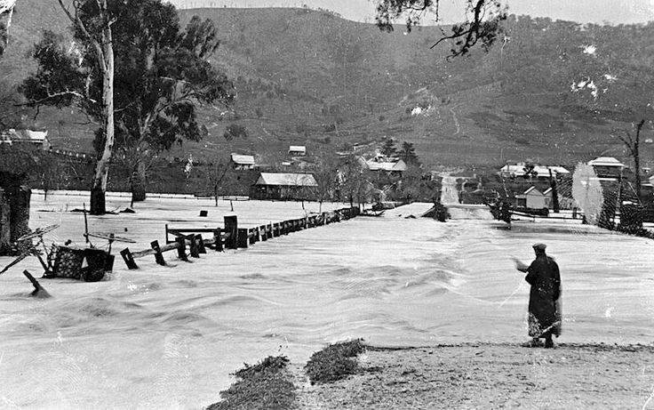 The flooding of Tallangatta - 1909