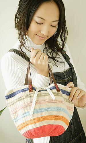 Free pattern for Striped Bucket Bag @ Pierrot: http://gosyo.co.jp/english/pattern/eHTML/ePDF/1109/2w3w4w/27-28-780-CB_Striped_Bucket_Bag.pdf