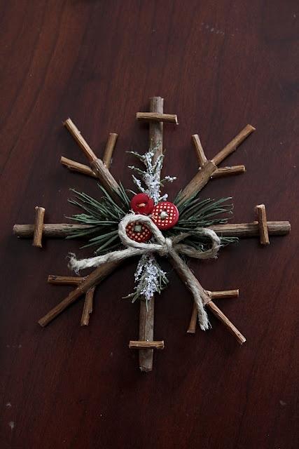 Rustic snowflake DIY