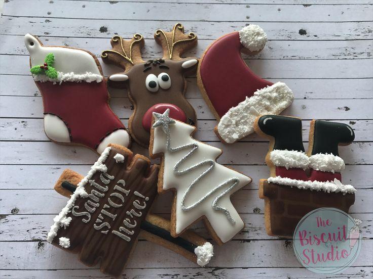 The Biscuit Studio Christmas class cookies. #cookies #christmascookies #royalicingcookies #royalicing #christmasstocking #christmas