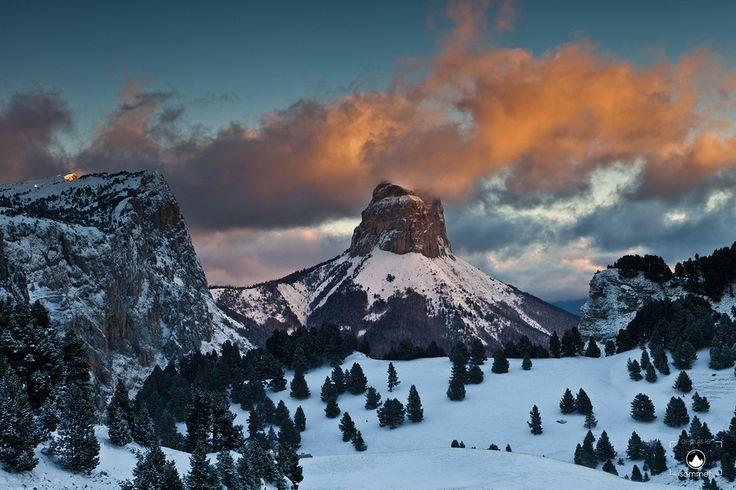 Mont Aiguille by NICOLAS BOHERE on 500px
