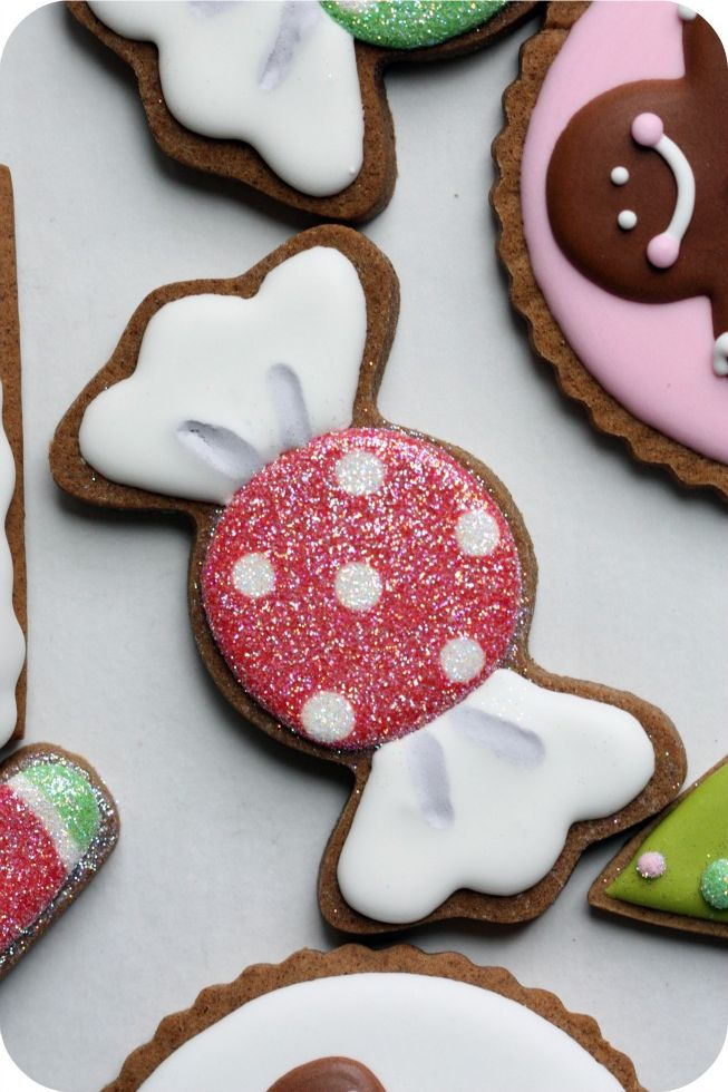 staying organized while decorating cookies 10 tips sweetopia - How To Decorate Christmas Cookies