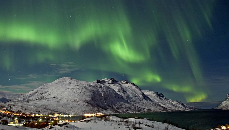 Northern Lights in Norway with Kids. Holidays with Kids destinations to touch your sould