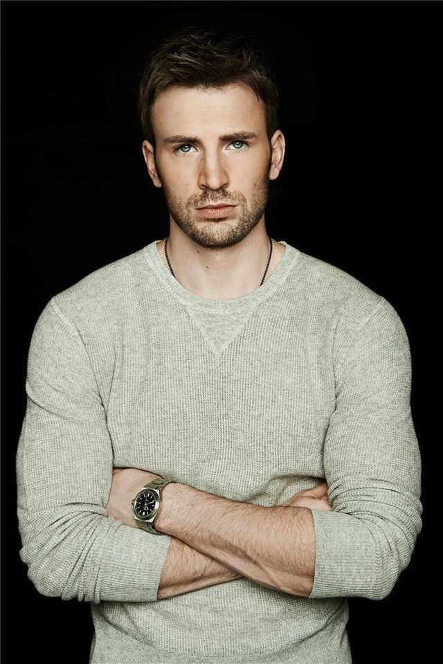 Chris evans. Has anyone watched what's your number staring him? // pin: @thewhitelies