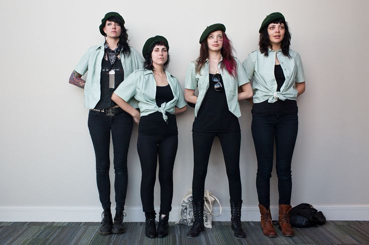 The Coathangers - Scramble