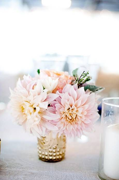 In Season Now: Get Familiar with Cafe au Lait Dahlias (A.K.A. Your New Favorite Flower)