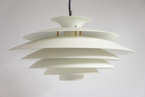 Angelucci 20th Century • Danish 1960s Pendant Lights