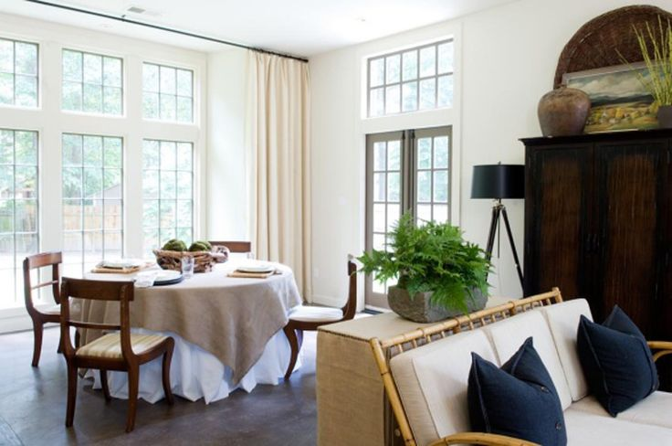 neutral + texture + light: Dining Rooms, Dining Area, Interiors Wall, Living Rooms, Beautiful Window, Families Rooms, Bare Window, Dinning Rooms Sunroom, White Wall