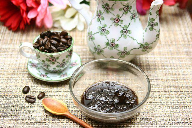 Homemade Coffee Scrub #FacialMasksAntiAging #CoffeeScrubHomemade