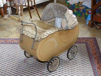 Nostalgie-Puppenwagen, hergestellt in ca. 1952