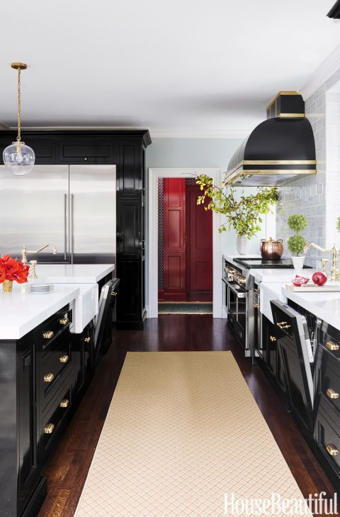 Elegant Black Lacquer Kitchen Cabinets