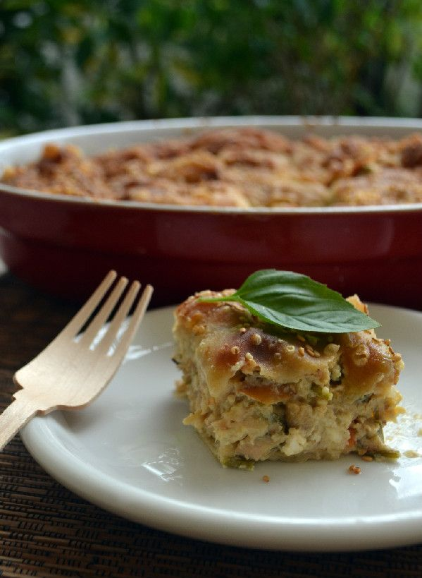 Κοτόπιτα αφράτη με μπεσαμέλ λαχανικά και τυριά - Sweetly
