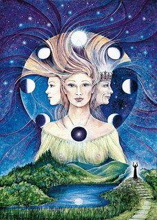 """La luna está asociada desde la más remota antigüedad a la esencia misma de la vida. Nuestros ancestros sabían que espiritualmente la mujer tiene """"ciclos"""" en su poder mental y espiritua…"""