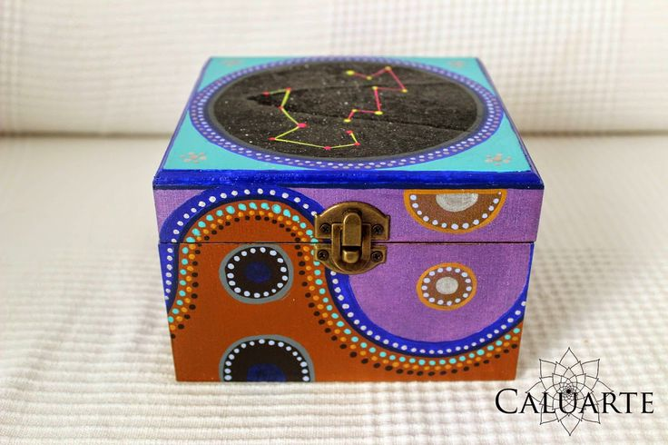 103 best mis cajas images on pinterest painted wooden - Cajas de madera pintadas a mano ...