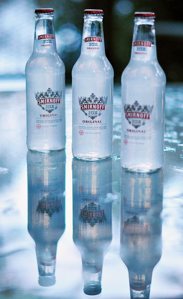 Getting #GameDayReady with Smirnoff Ice® sharing chic Homegating party tips & a FANtail recipe coming soon! ad