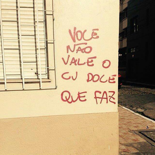#Repost @julmour ・・・ Pelotas, RS. #olheosmuros #artederua #arteurbana #pelotas #rs #pixo #intervencaourbana http://ift.tt/2e8LgMO