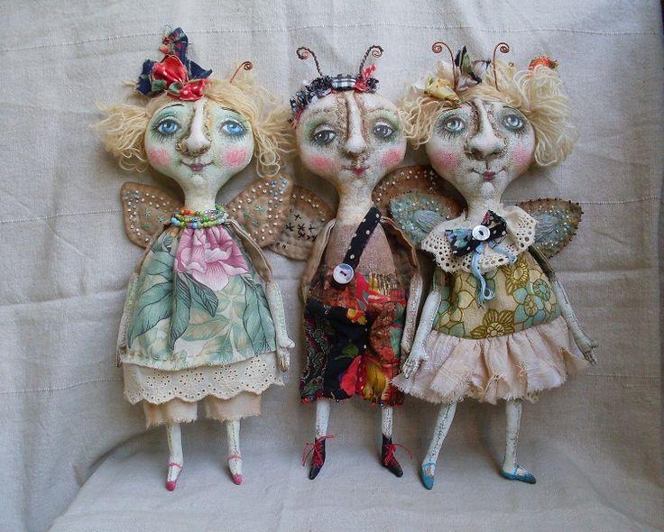 Love the faces on these dolls.  Примитивы - Про бабочек