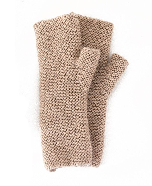 Wrist warmers by the Textiel Fabrique