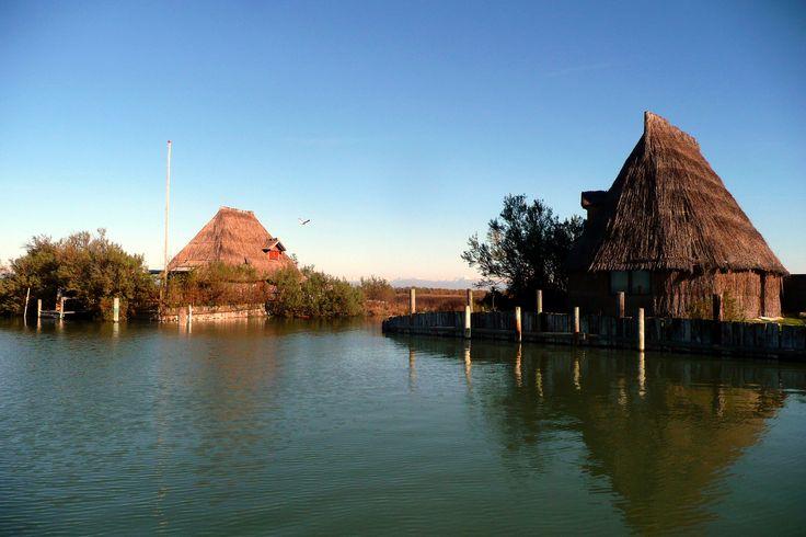 https://flic.kr/p/jQs7Ar | Casoni n°2 | Vecchi casoni da pesca nella Laguna di Marano Lagunare