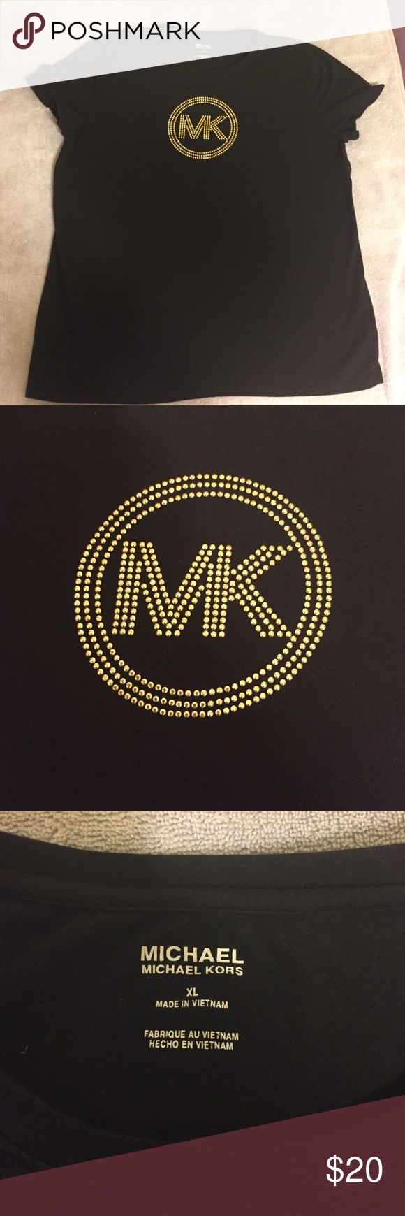 Michael Kors black t-shirt Michael Kors black XL t-shirt with gold decoration. In perfect condition, worn twice. Very comfy with a little bit of dazzle! Michael Kors Tops Tees - Short Sleeve