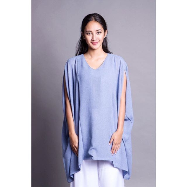 Saya menjual Baju Menyusui Hijab Mya Loose Top seharga Rp285.000. Dapatkan produk ini hanya di Shopee! http://shopee.co.id/amandacallista/12026200 #ShopeeID