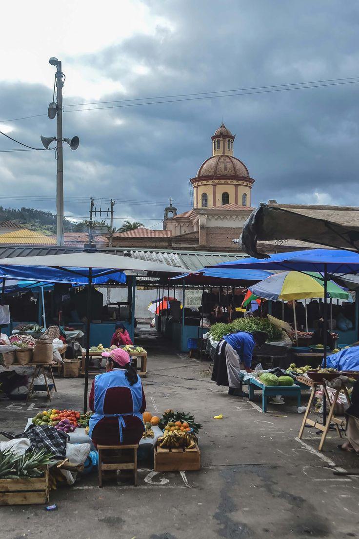 Mercado Municipio, Otavalo, Ecuador | heneedsfood.com