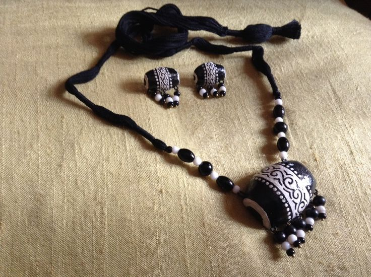 Black And White Terracotta Jewellery Set