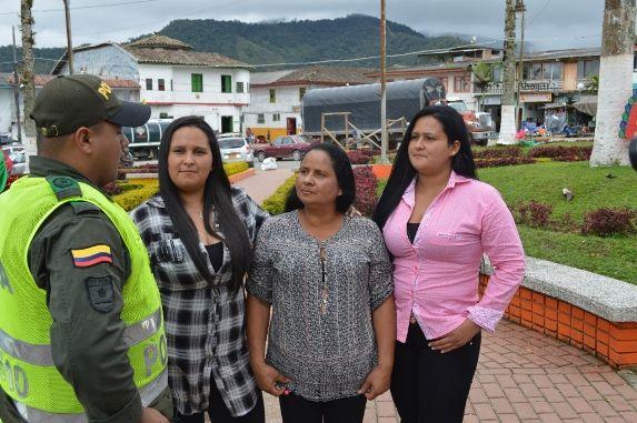 Policía Nacional logró el reencuentro de una madre y sus hijas después de 28 años