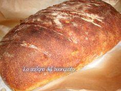 Avete mai provato il pane di Altamura ? Bhe' dovete assolutamente rimediare. Ha un gusto molto diverso dal pane classicco