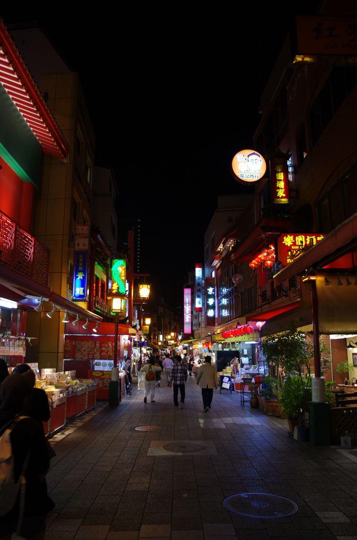 平日の人通りの少ない南京町