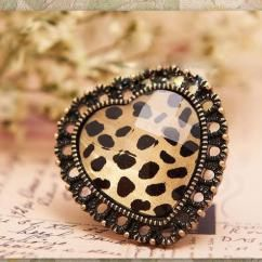 Leopard Heart ring http://crazyberry.in/online-shopping/artificial-imitation-fashion-jewellery/leopard-heart-adjustable-cocktail-ring