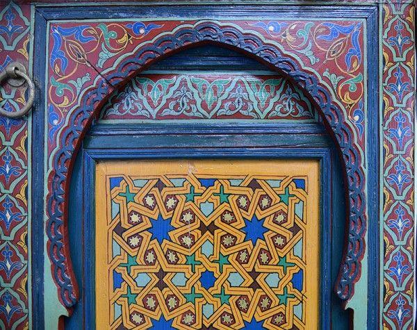 porte en bois peint aux motifs marocains portes pinterest. Black Bedroom Furniture Sets. Home Design Ideas