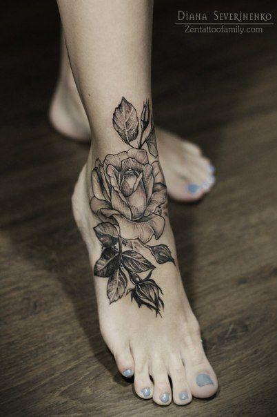 87 Woman Foot Tattoos