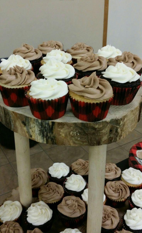 Little lumberjack cupcakes #lumberjackcupcakes #plaid #yummydelicious #cupcakes