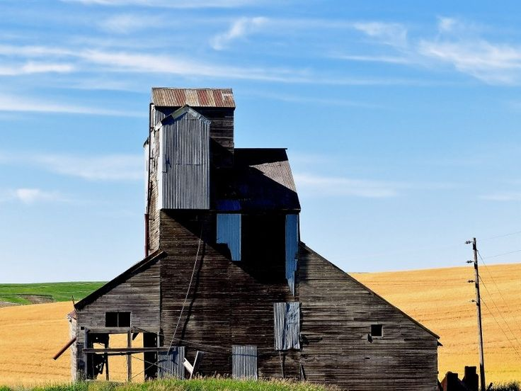 Ancient house in Pullman, WA by ieakinci on 500px