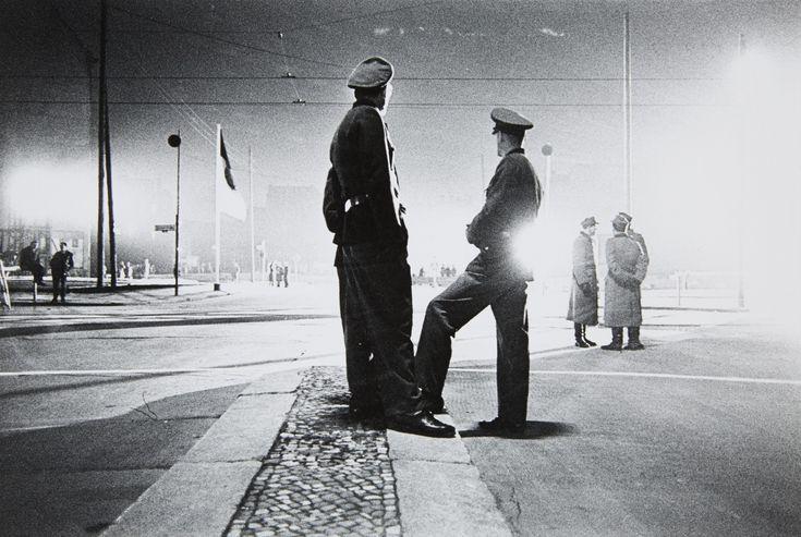 Amazing Will McBride St Louis Missouri Berlin Berlin Friedrichstra e Checkpoint Charlie photographs Pinterest Checkpoint charlie