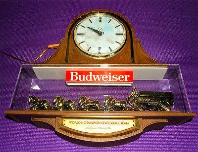 Vintage Lighted Budweiser Bar Clock Sign Clydesdales 8