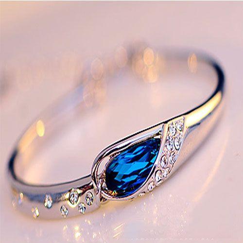 Fashion Rhinestone Waterdrop Sapphire Bracelet. This would mKe a beautiful ring
