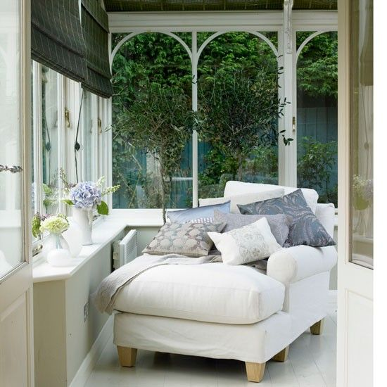 Conservatory with daybed | Country conservatories | Conservatory design ideas | PHOTO GALLERY | Housetohome
