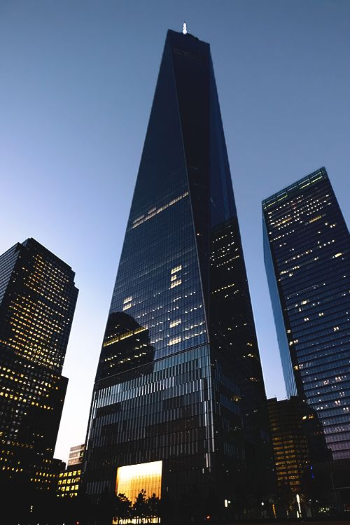 1WTC by David Childs, redesign of Daniel Libeskind's plans… Put history aside, It's an extraordinary building by itself, such elegance in its design!